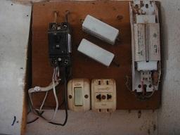 電気回路修理1