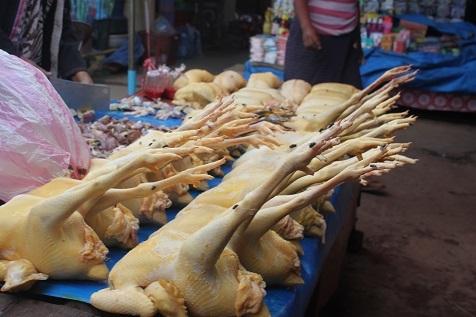 サラワン市場2