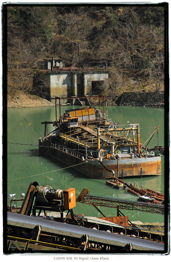 発電所廃墟2002sakumatsuika05.jpg