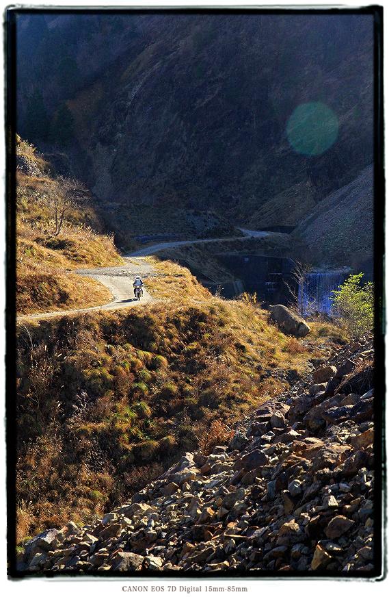 面谷鉱山バイク2011omodani016.jpg