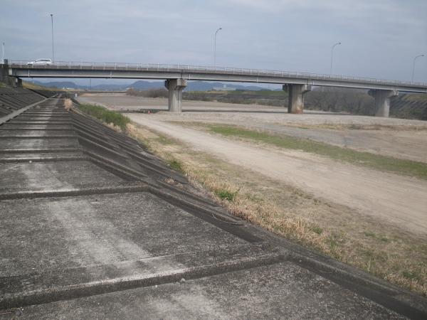 長良川合流点付近伊自良川