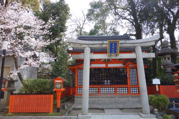 八坂神社・美御前社・忠盛燈籠01