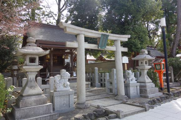 八坂神社・美御前社・忠盛燈籠03