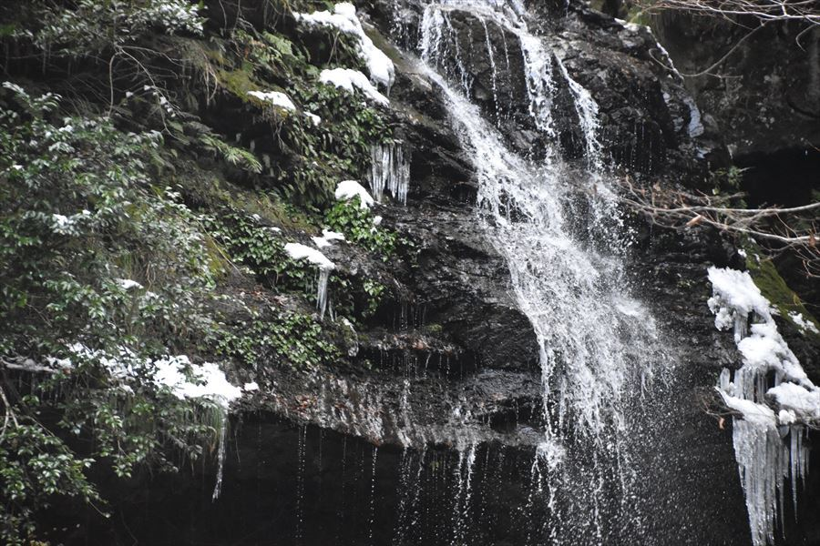 閑定の滝5