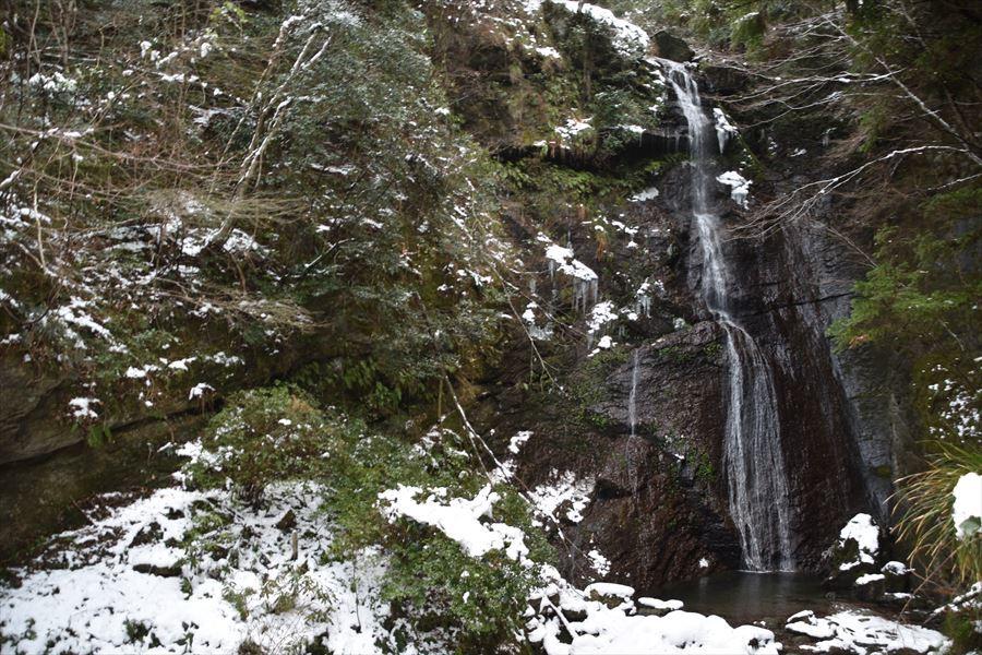 閑定の滝1