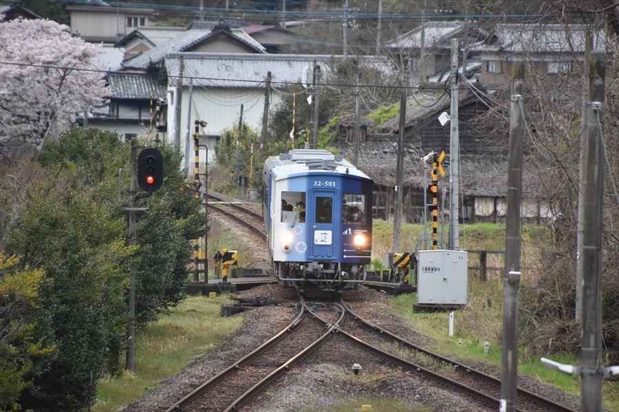 小島駅とトロッコ1