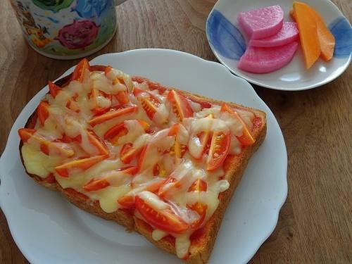 ミニトマトのピザトースト