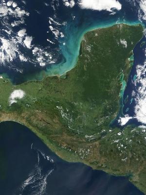 900px-Yucatan_peninsula_250m.jpg