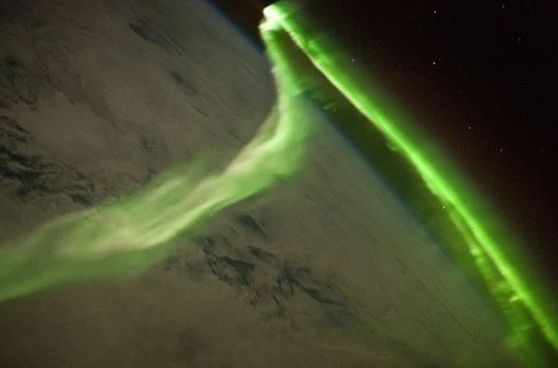 aurora-62824865.jpg
