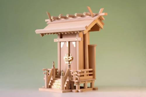 支柱が特徴的な神明一社の神棚 尾州桧