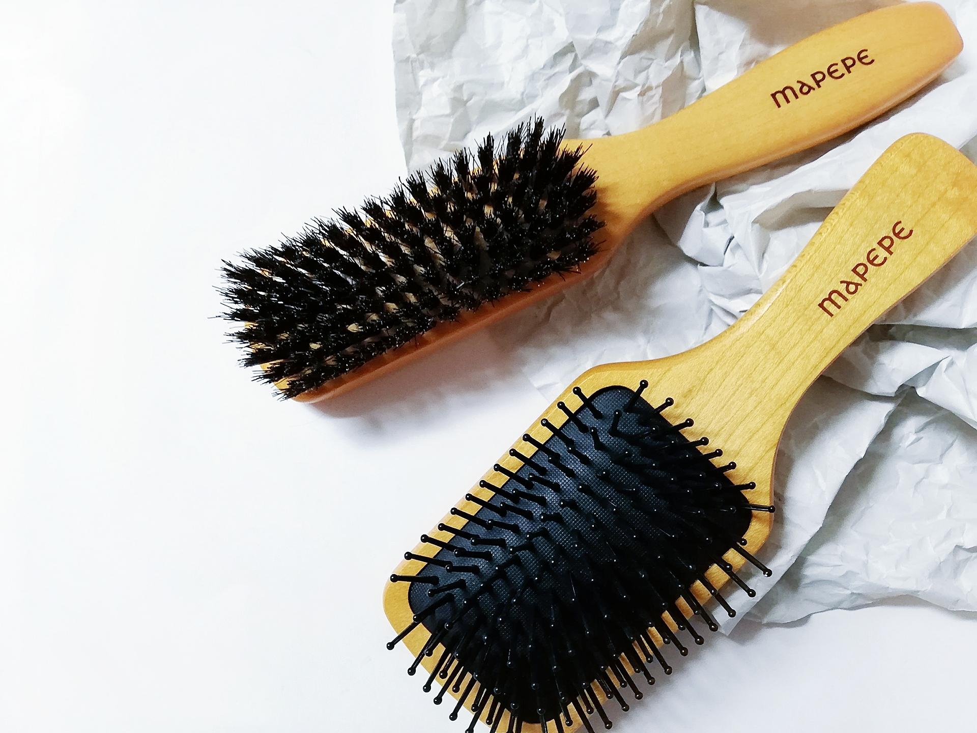 ブラッシングだけで髪質が変わった!?【マペペ 濃密天然毛のボリュームケアブラシ】と【ふかふかクッションのパドルブラシ】を使い分けるヘアケア始めました