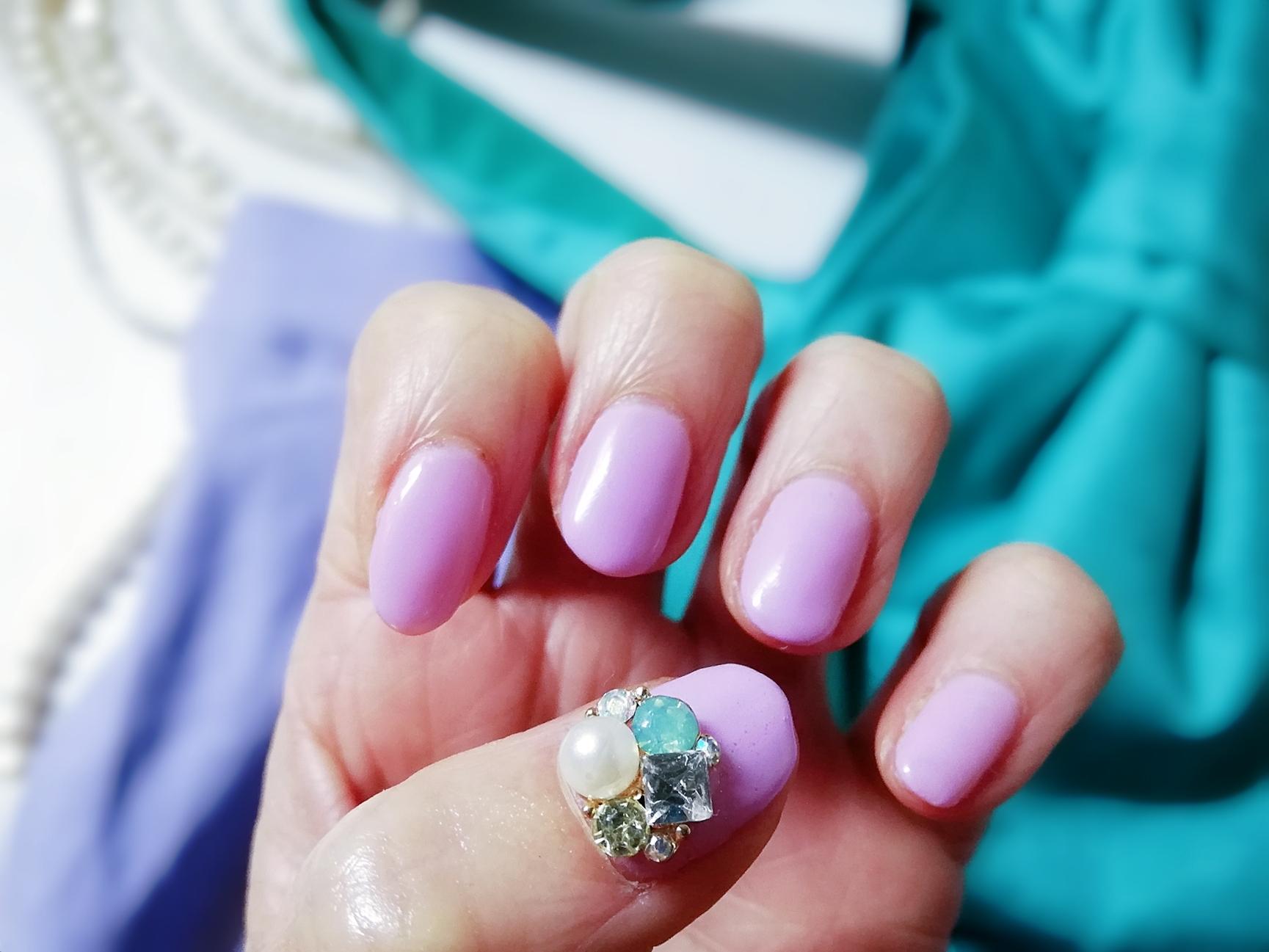 塗るだけで即旬な指先に【春色パープルネイル】と【bouejeloud(ブージュルード)】のパープルファッション