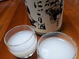 【写真】君津・宮崎酒造店の峯の精 本醸造辛口 にごり酒