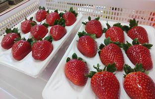【写真】宅配用ケースに並んだいちごの実たち