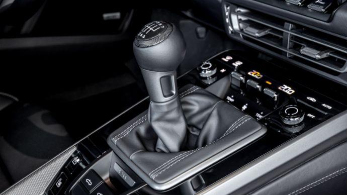 Porsche992_CarreraS_4S_Seven-speed manual_001