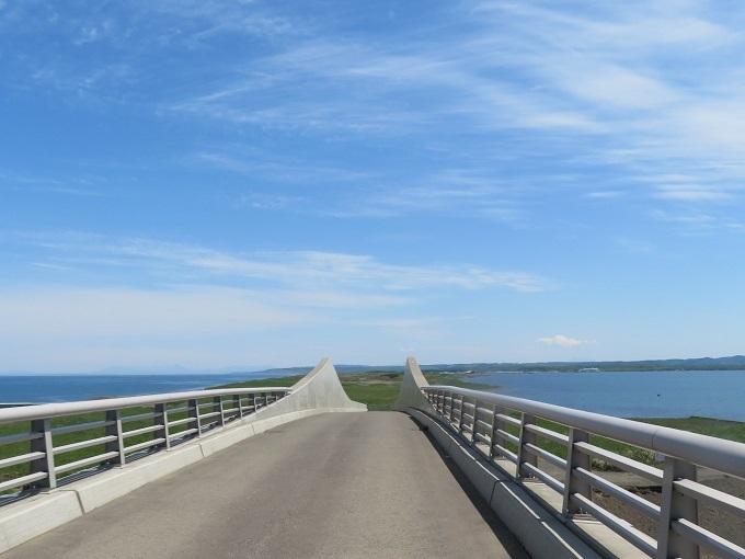 オホーツク海とサロマ湖