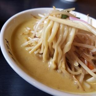 フタツメ白根 濃厚カレータンメン 麺スープ