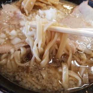 第一旭 背脂ラーメン 麺スープ
