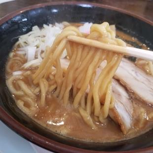大舎厘亀田 濃厚ラーメン 麺