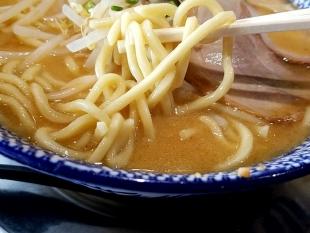 しゃがら弁天 味噌ラーメン 麺スープ