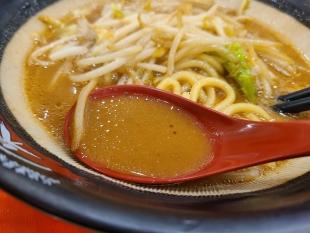 東横新発田 元祖新潟濃厚味噌 スープ