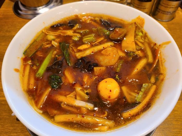 麺華 ピリ辛五目麺