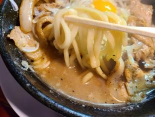 なおじ総本店 肉そば味噌 麺スープ