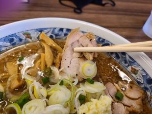 蓮 背脂黒醬油ラーメン チャーシュー (2)