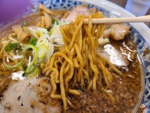 蓮 背脂黒醬油ラーメン 麺