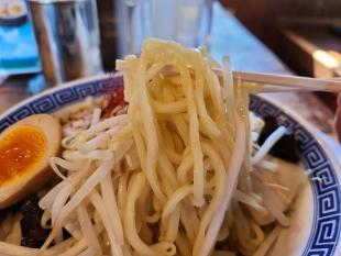 孔明 辛つけ麺 麺