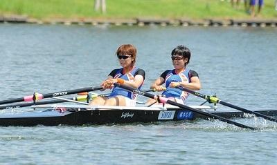 2011 日本女子体育大HPより インカレW2X準優勝 上野翔子選手、園田佳乃選手