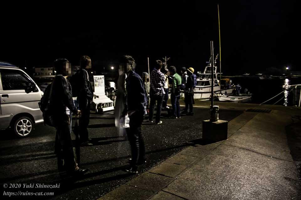 軍艦島上陸作戦 決行直前・夜明け前の某漁港