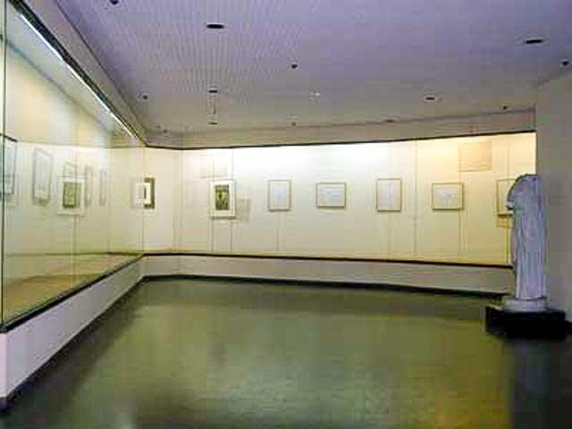平和観音寺 「奥内近代絵画美術館」の現役時の写真