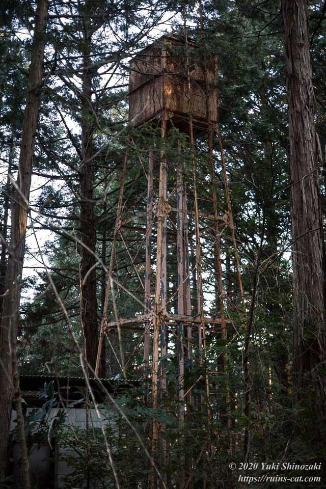 上高地別荘ホテル(心霊スポット)の給水塔