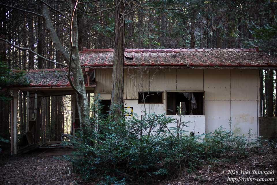 上高地別荘ホテル(心霊スポット)のコテージのひとつ