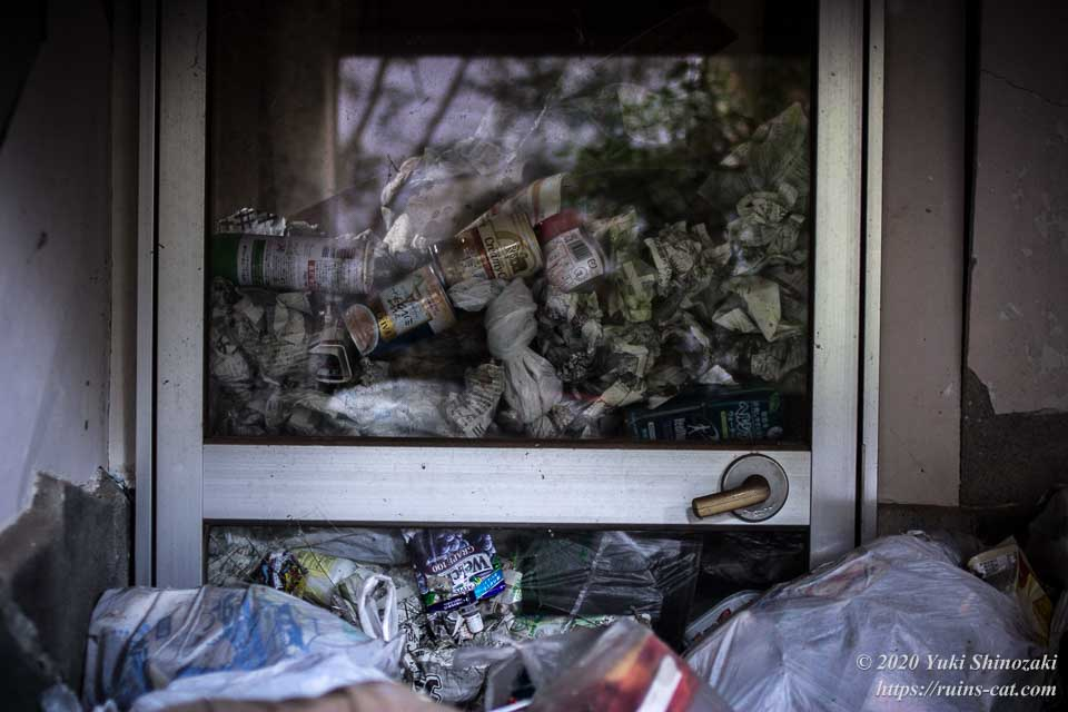 ゴミが満載の上高地別荘ホテルの部屋