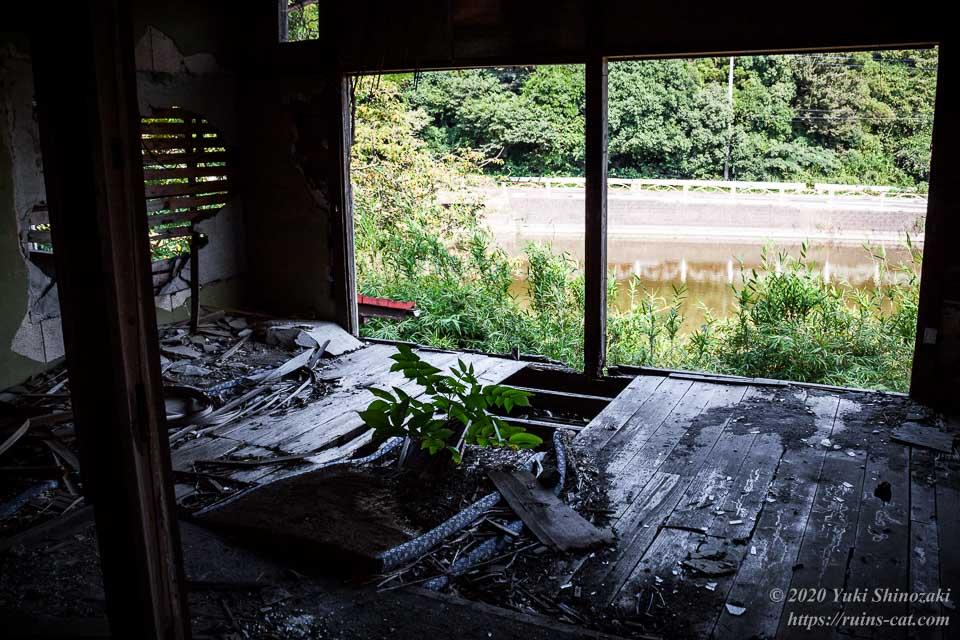 料亭ふるさと(心霊スポット) 生板池が見える2階の客室