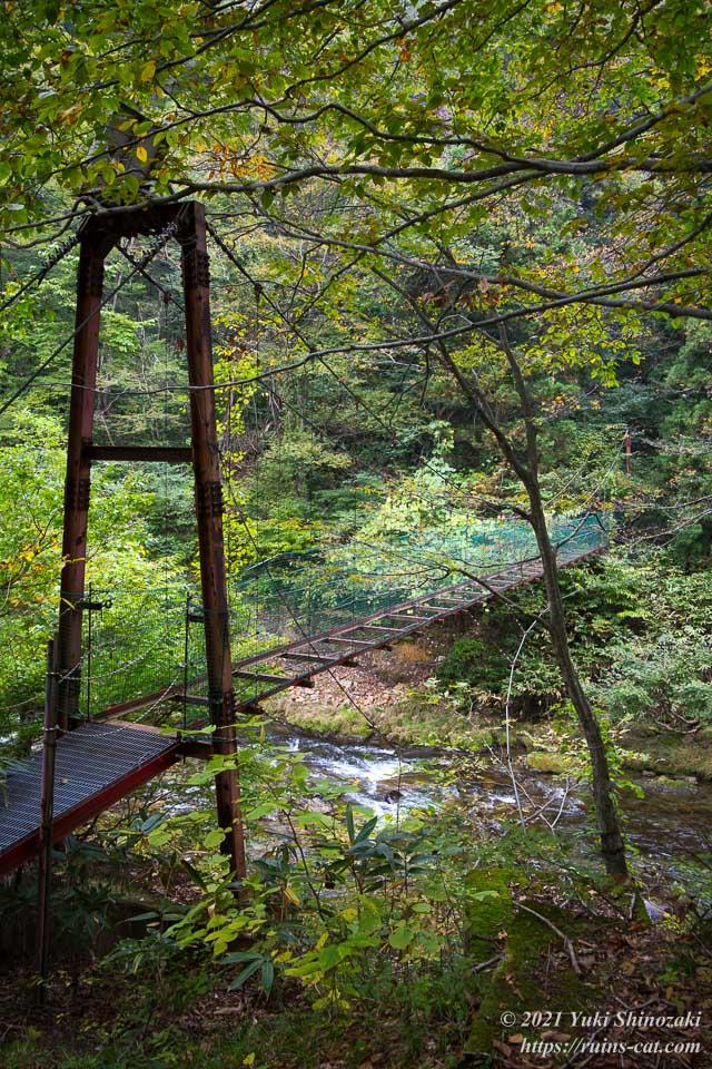 旧和賀川水力発電所の山越えルートで使われる橋