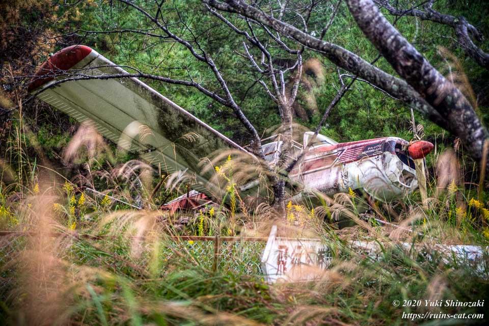 化女沼レジャーランドの廃飛行機 FA-200「エアロスバル」