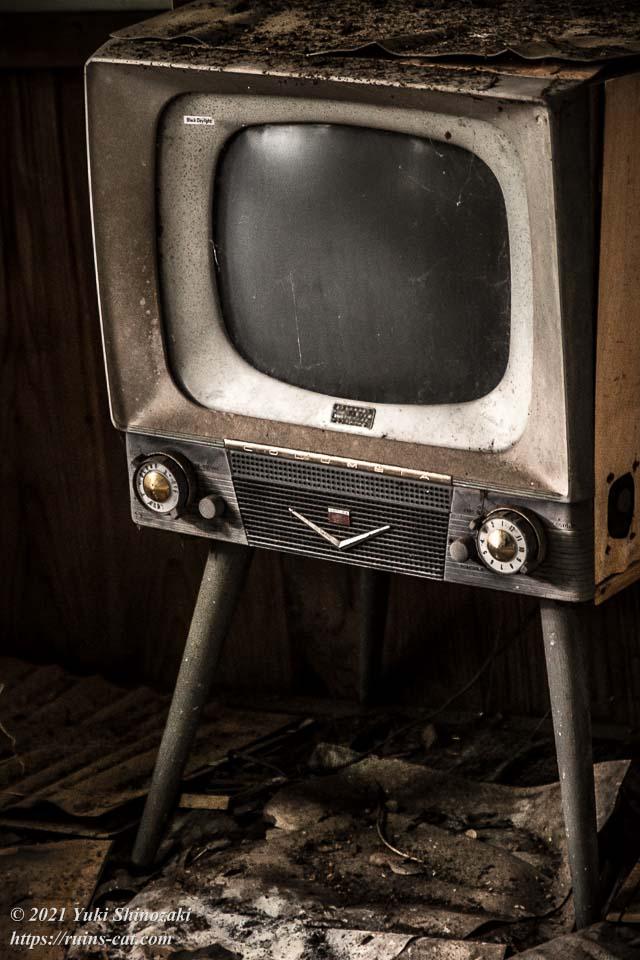 日本コロムビア製のブラウン管テレビ
