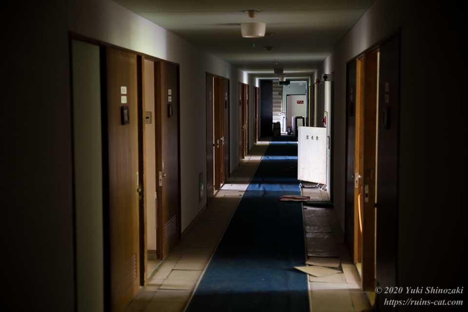 国民宿舎むろと 客室棟の廊下