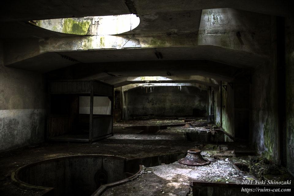 旧和賀川水力発電所の地下室