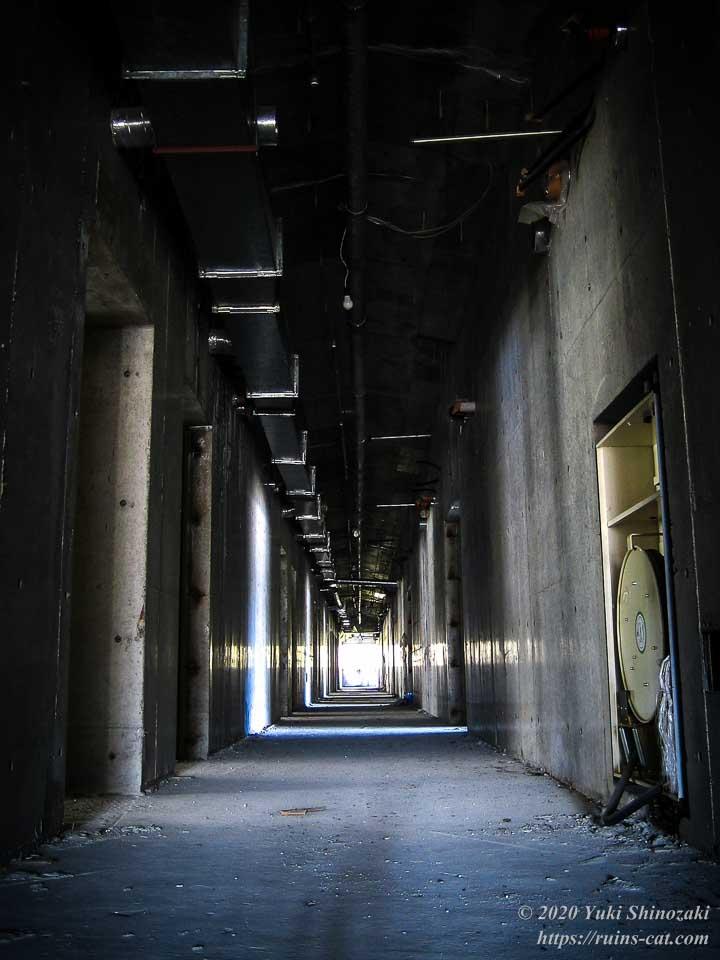 山中湖リゾートホテル(廃墟) 廊下