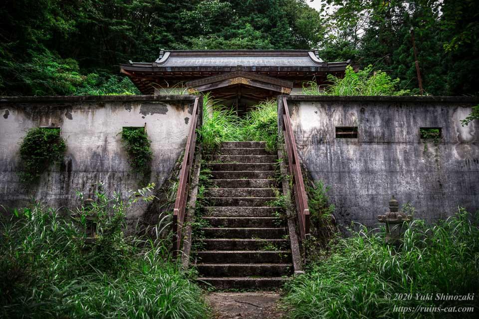 武尊神社(呪いの廃神社) 拝殿正面