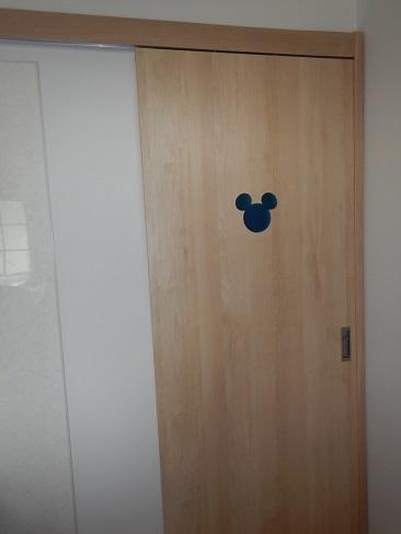 ミッキー明り取りドア