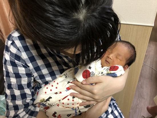 シオリと子供」 (1)