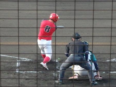 P7294904縮小H・プラン2回表無死三塁から5番が左中間三塁打を放ち1点先制