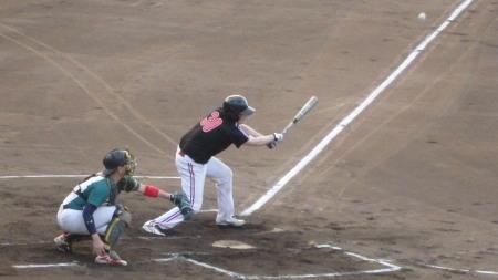 P8171087続く4番が左前打を放ち1点先制
