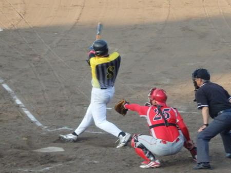 P8181309Big連4回表2死から5番徳永が右中間二塁打を放つも後続なしで無得点