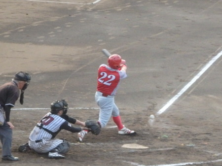 P8211738トウヤ40A3回裏1死三塁から1番の内野安打で1点追加